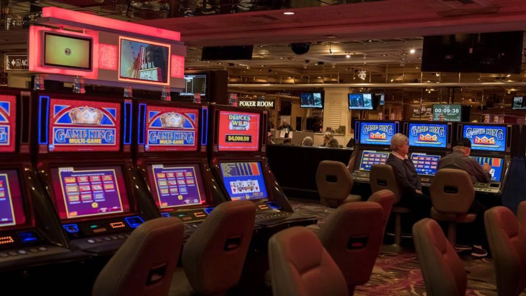 Coronavirus updates: Las Vegas casinos ordered to close for a ...