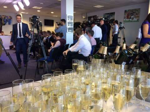 Thought @lcfc couldn't get any more popular? Look what they're giving journalists before Ranieri press conference