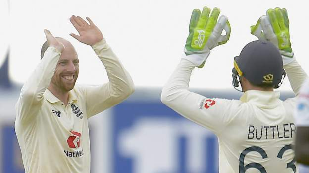 Jack Leach: England spin bowler agrees two-year contract extension with Somerset thumbnail