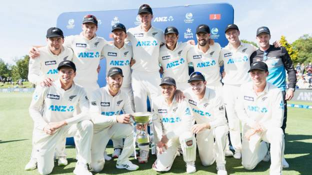 NZ thrash Pakistan to top Test rankings