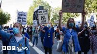 Nurses and NHS staff protest over pay rise 'snub'