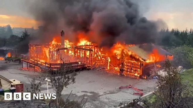 Norway wildfire: More than 500 people evacuated on Sotra #world #BBC_News