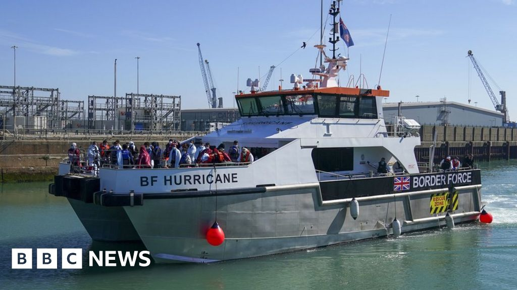 , Channel migration: Border boat staff don't need immunity from prosecution, says union, The Evepost BBC News