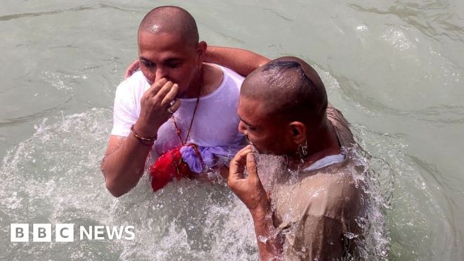 India's Kumbh festival attracts big crowds amid devastating second Covid wave #world #BBC_News