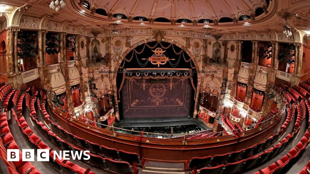 Photo of £1.57bn lifeline for gig venues and theatres