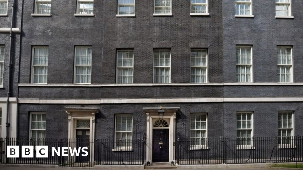 Countdown to illuminate Downing Street on Brexit day