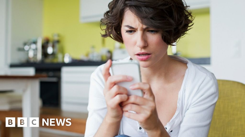 Coronavirus: Test, trace and the curse of the 0300 phone number
