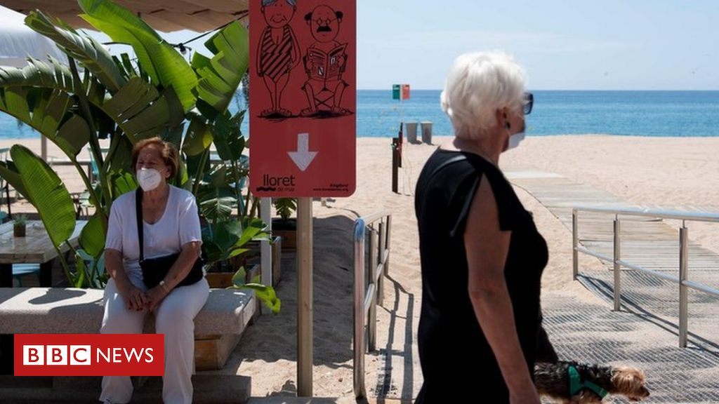 Photo of Holiday bookings 'explode' as restrictions eased