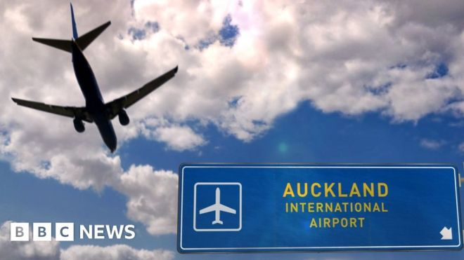 New Zealand airport worker tests positive day after bubble opens #world #BBC_News