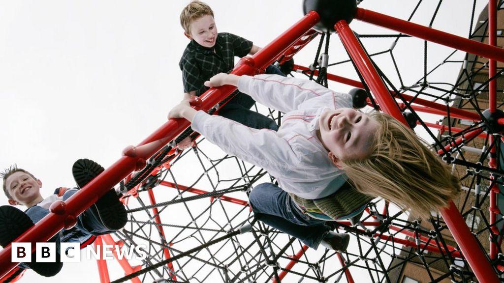Coronavirus: Are women and children less affected? - BBC News
