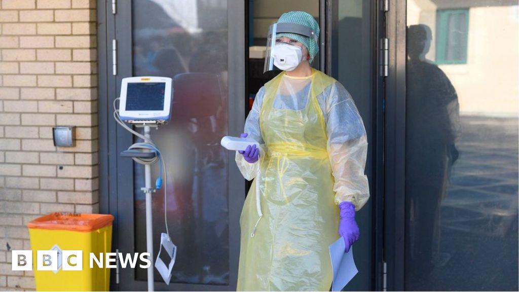 Coronavirus: Three new cases in Northern Ireland - BBC News