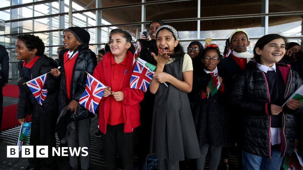 , In pictures: Queen's visit to officially open Senedd, The Evepost BBC News