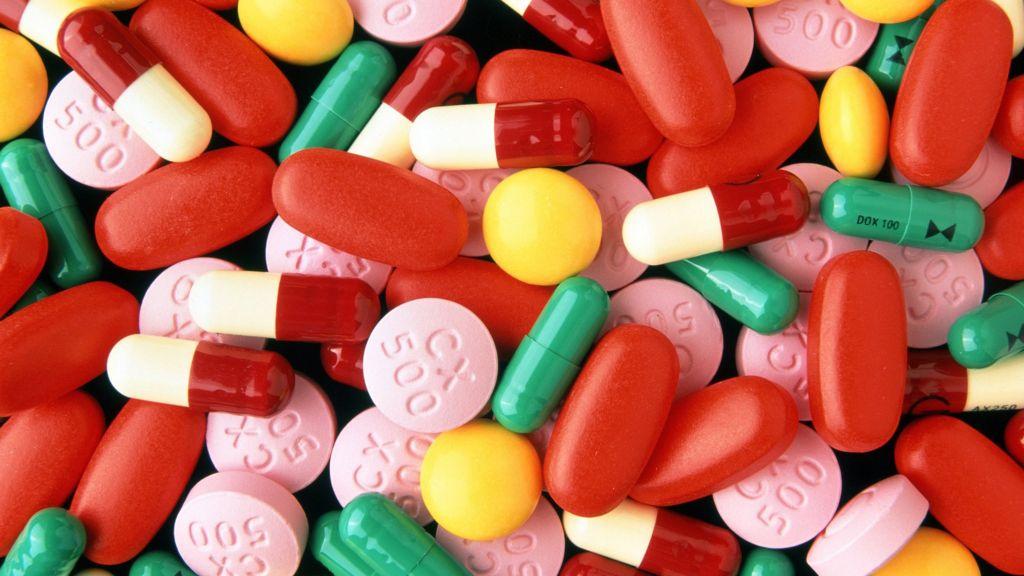 Antibiotics 'ineffective for coughs' - BBC News