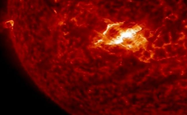 Nasa Captures Images Of Sun S First Major Solar Flare Of