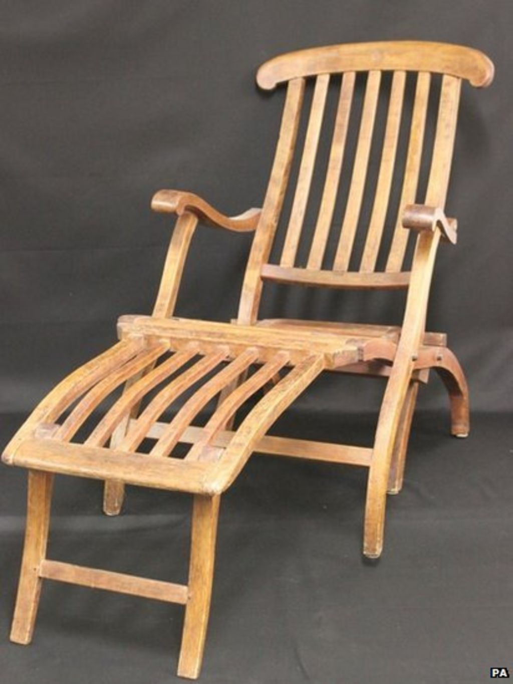 Titanic Deck Chair Titanic Deckchair 39may Sell For 80k 39 At Auction Bbc News