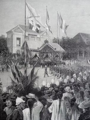 Duyệt binh tại Sài Gòn trước Dinh Toàn quyền