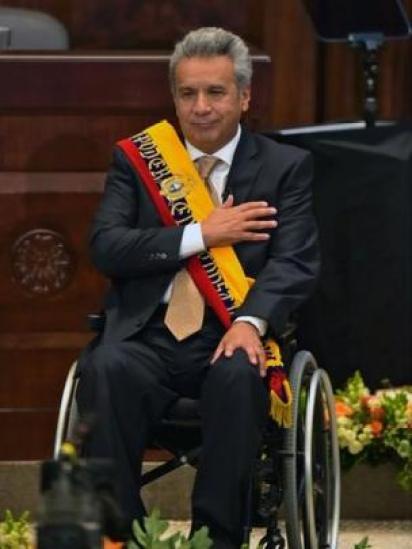 Moreno con la cinta presidencial