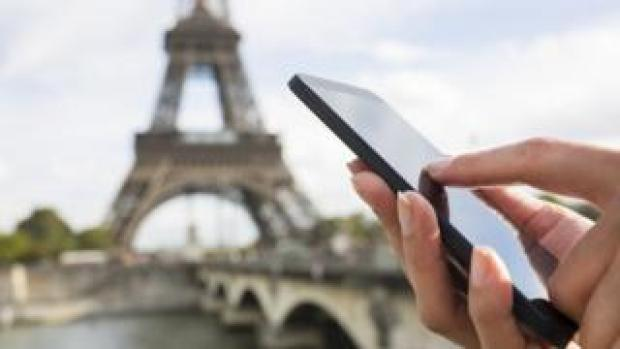 Eiffel tower and mobile phone