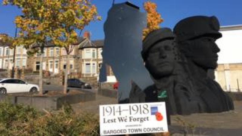 Bargoed soldier sculpture is missing its head