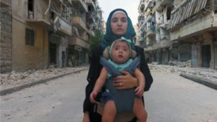 Waad al-Kateab and Sama, who was born during the Syrian conflict