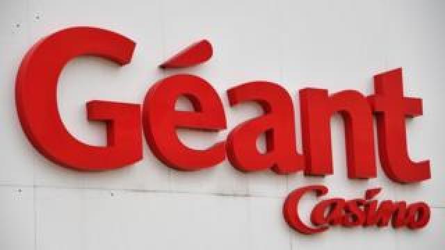 Géant Casino sign