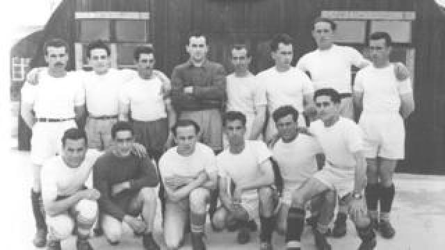 Italian POWs posing as football team