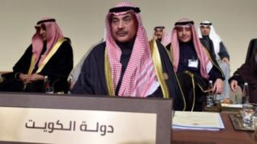 وزير الخارجية الكويتي الشيخ صباح الخالد الصباح خلال قمة اقتصادية عربية