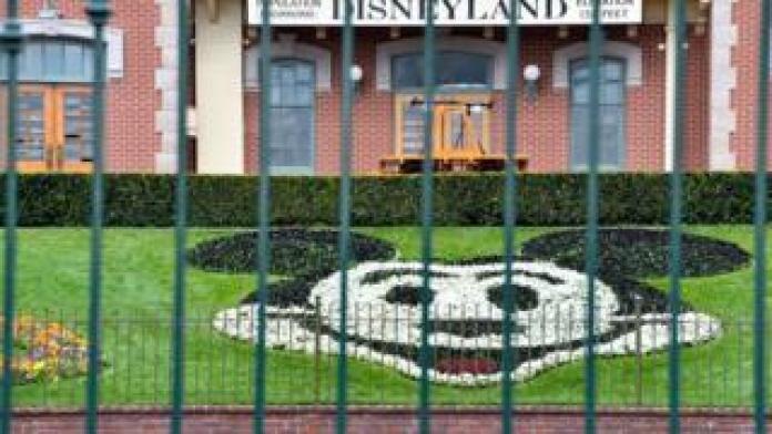 The entire Disneyland Resort in California is closed due to the coronavirus epidemic.