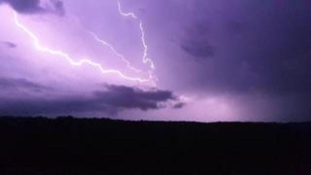 Lightning in Teston, Kent