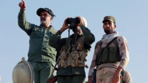 نیروهای دولتی عراق، پیشمرگ های کرد، شبه نظامیان شیعه و مردان مسلح قبایل سنی که همپیمان دولت هستند، از جهات مختلف مواضع داعش در موصل را تحت فشار قرار داده اند.