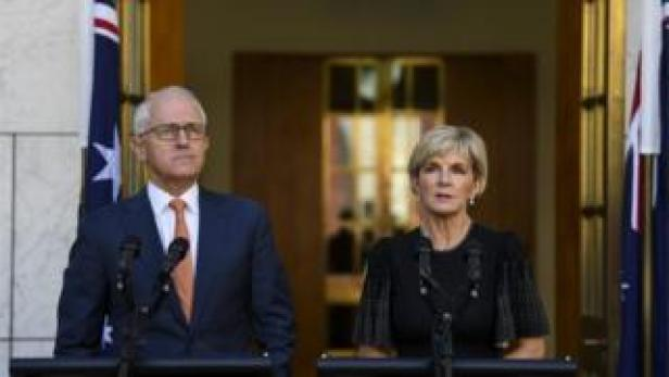 Australian PM Malcolm Turnbull and FM Julie Bishop explain why they are expelling two Russian diplomats, 27 March 2018