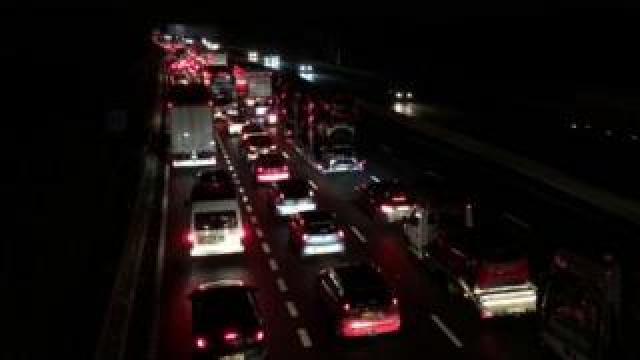 M6 traffic queues