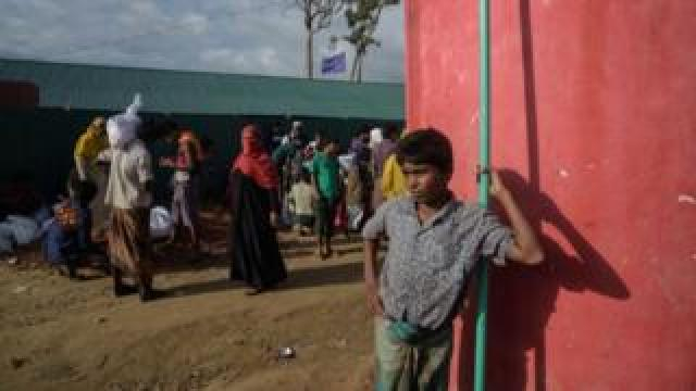 Hundreds of thousands of Rohingyas have left Myanmar for refugee camps in Bangladesh