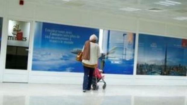 Des femmes détentrices de passeports tunisiens ont déclaré avoir été interdites d'embarquer sur des vols d'Emirates.