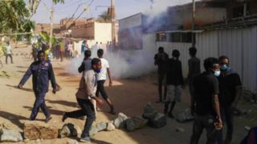 """Sudanese protesters in the capital Khartoum""""s district of Burri on 24 February"""
