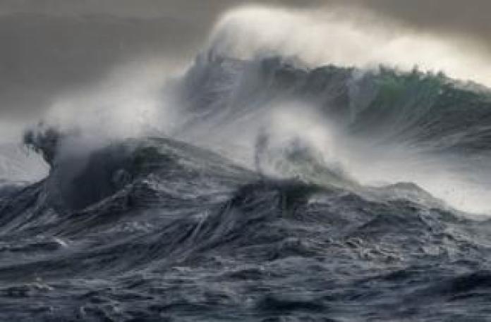 Sea waves and spray