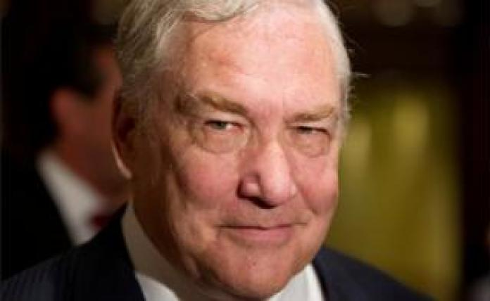El ex magnate de los medios de comunicación Conrad Black llega a un almuerzo de negocios en Toronto, Canadá 22 de junio de 2012