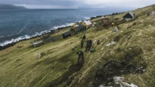 Green Group members mend a popular hike in Skarvanes