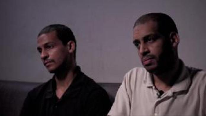 El Shafee Elsheikh (L) and Alexanda Kotey, IS suspects, being interviewed by the BBC