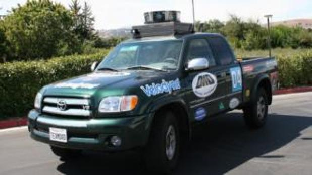 Artificial Intelligence: Velodyne spinner mounted on a truck