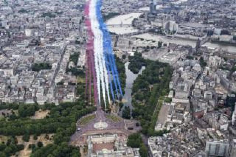 The Red Arrows perform for a flypast over London