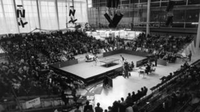 A table tennis tournament in the shopping centre