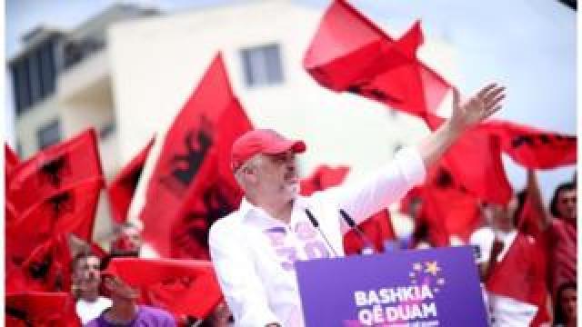 Edi Rama on the campaign trail