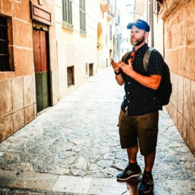 Dani Rotstein in the Jewish quarter of Palma