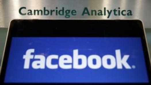 Facebook und Cambridge Analytica Logos