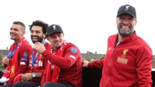 Dejan Lovren, Mohamed Salah, Xherdan Shaqiri and Jurgen Klopp
