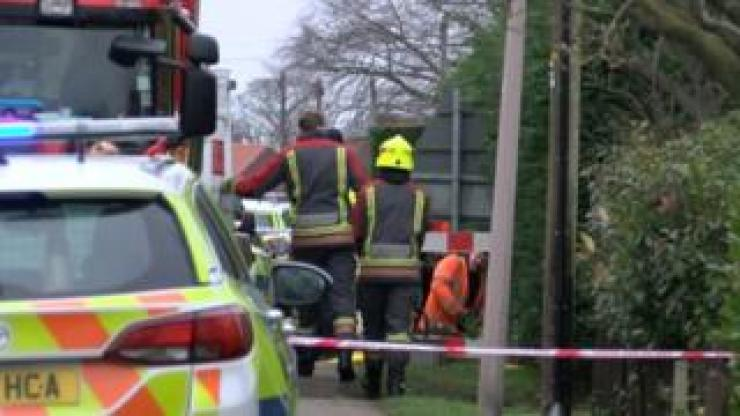 Mother and daughter, 8, die in Nottinghamshire fire