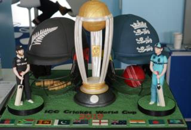 Duchess of Cornwall's Cricket World Cup cake