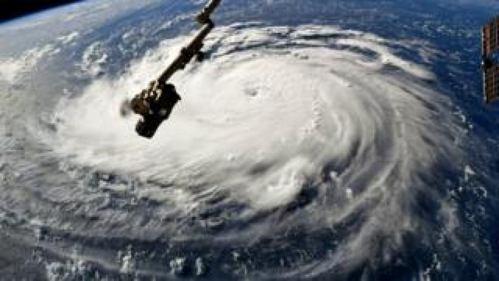 Vista aérea del huracán Florence.