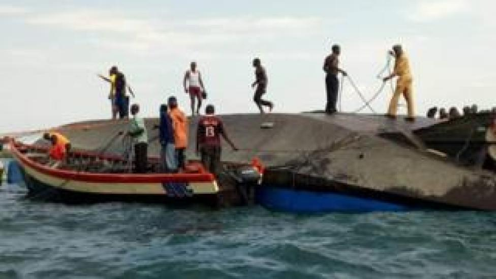 Voluntarios asisten al rescate en Tanzania